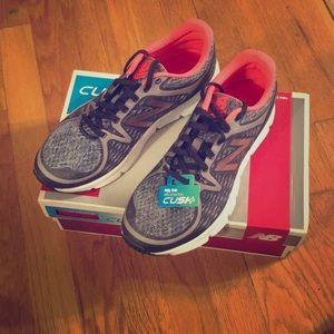 New Balance 775v2 Running Shoes